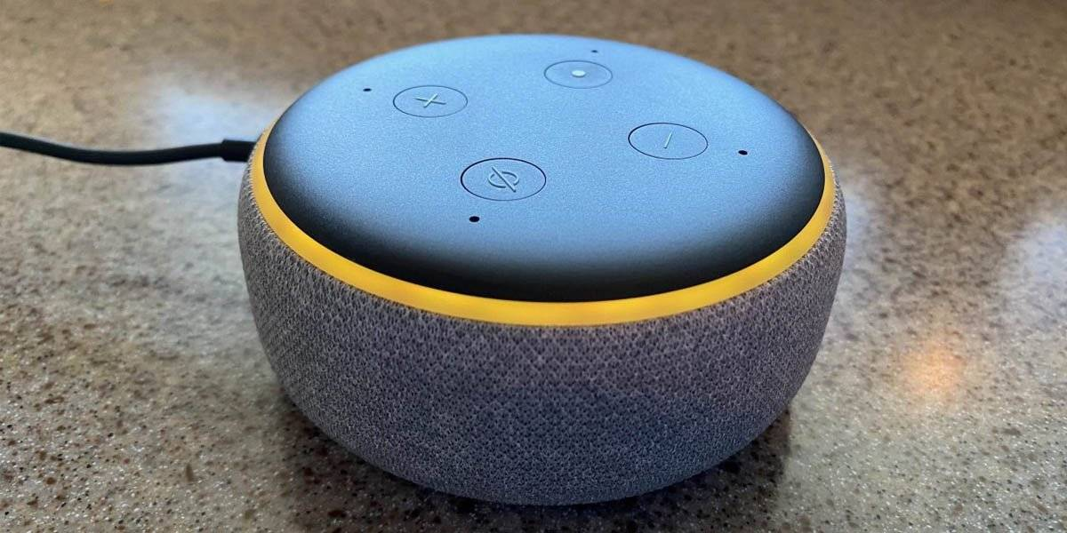 Amazon Echo Has a Yellow Light
