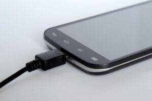 1621861495 920 Why charging your phone overnight is harmful - Why charging your phone overnight is harmful